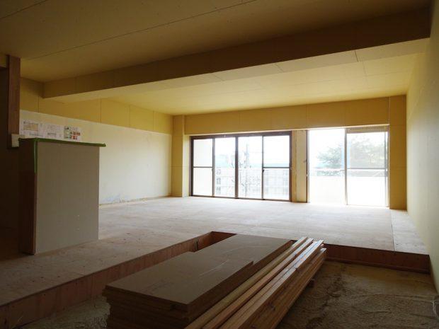 本来の計画(基本プラン)は3LDKですが、1LDK&床、壁、天井を仕上げない状態で工事を一端ストップ。